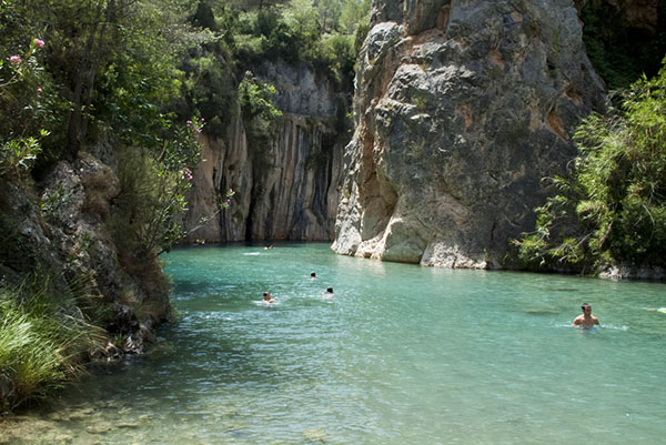 Piscinas naturales de la comunitat valenciana colegio for Piscina segorbe
